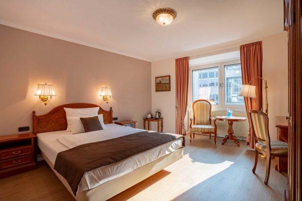 Zimmer 42 | Hotel an der Messe | Frankfurts Geheimtipp · Reisende · Urlauber