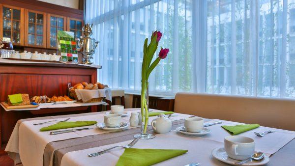 Restaurant / Spiesesaal | Hotel an der Messe | Frankfurts Geheimtipp · Reisende · Urlauber
