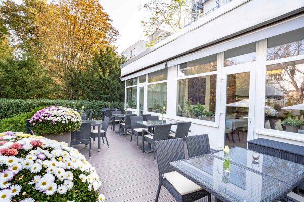Terrasse | Hotel an der Messe | Frankfurts Geheimtipp · Reisende · Urlauber