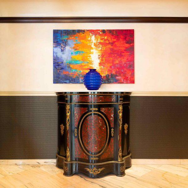 Bild und Vase | Hotel an der Messe | Frankfurts Geheimtipp · Reisende · Urlauber