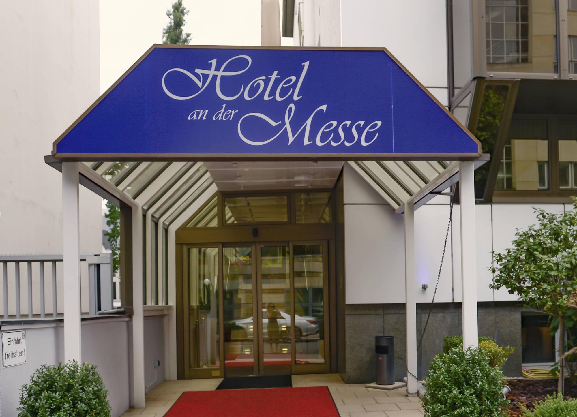 Eingang | Villa Westend Hotel an der Messe | Frankfurt's insider tip · Business · Leisure